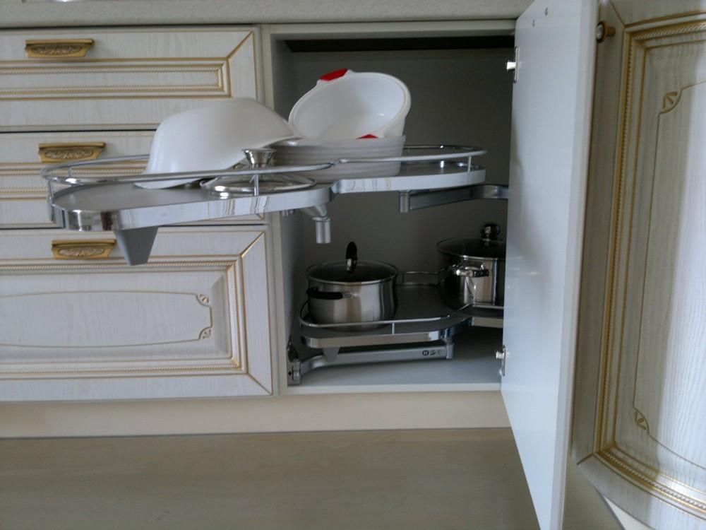 Белый кухонный гарнитур-Кухня МДФ в эмали «Модель 126»-фото7