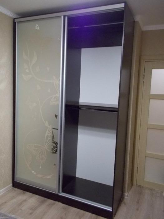 Встроенные шкафы-купе-Шкаф-купе с пескоструем «Модель 76»-фото3