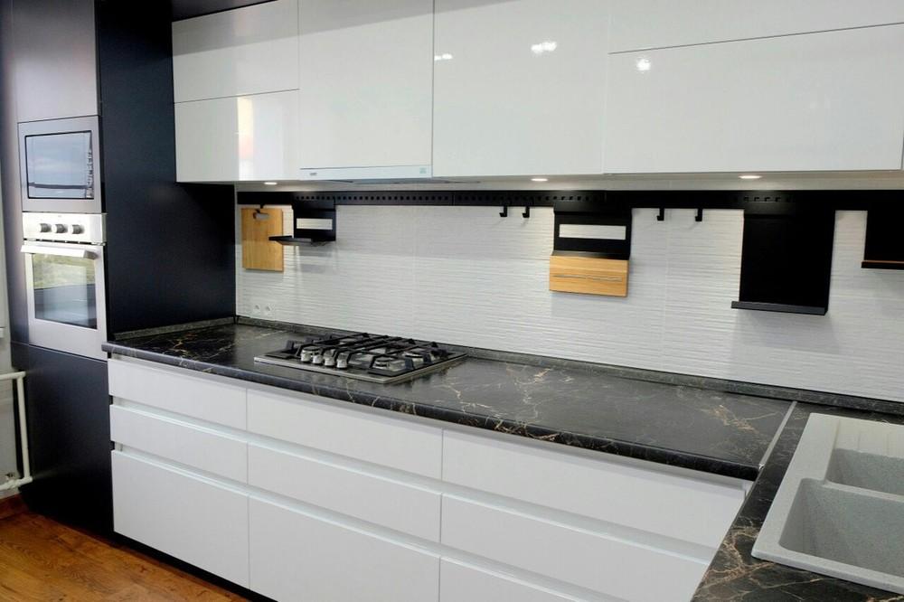 Белый кухонный гарнитур-Кухня МДФ в ПВХ «Модель 81»-фото3