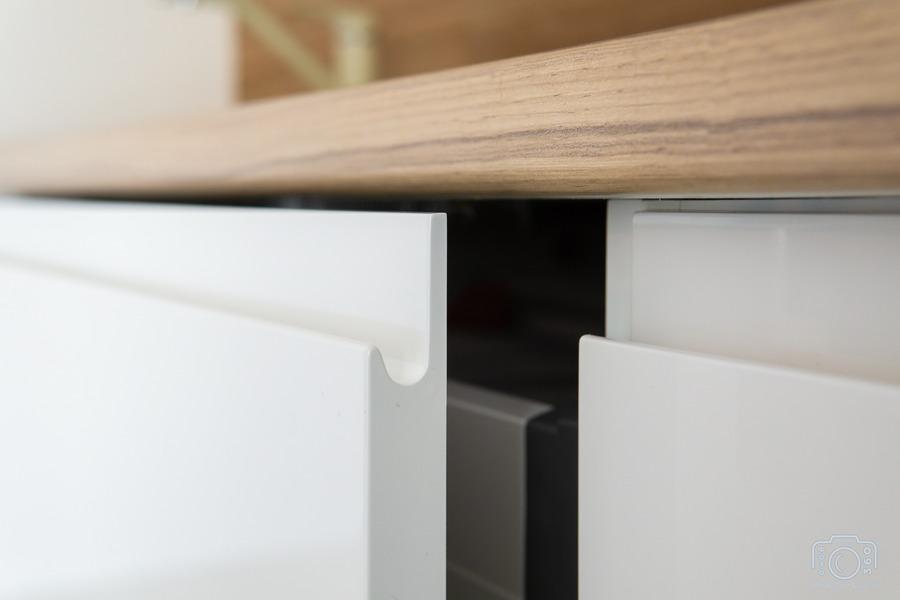 Белый кухонный гарнитур-Кухня МДФ в эмали «Модель 5»-фото7