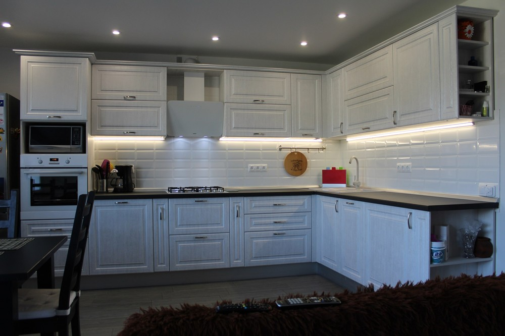 Белый кухонный гарнитур-Кухня МДФ в ПВХ «Модель 231»-фото2