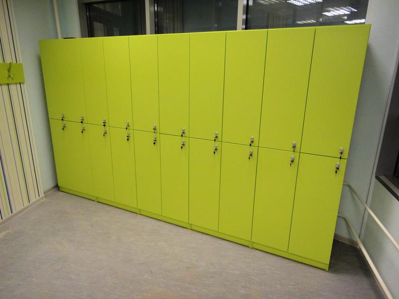 Торговая мебель-Шкафчики для раздевалки «Модель 168»-фото3
