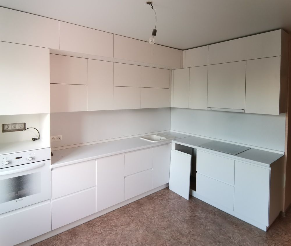 Белый кухонный гарнитур-Кухня МДФ в эмали «Модель 561»-фото1
