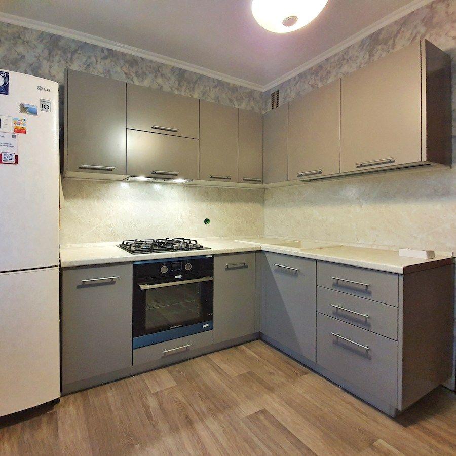 Бежевые кухни-Кухня МДФ в ПВХ «Модель 558»-фото1