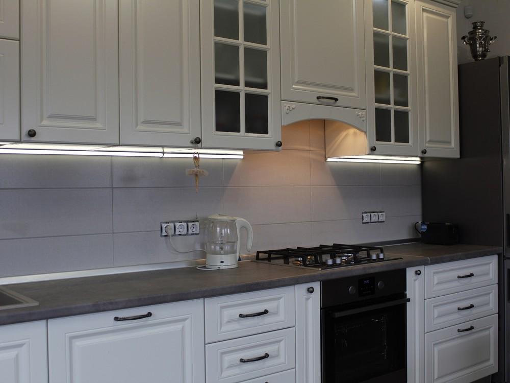 Белый кухонный гарнитур-Кухня МДФ в эмали «Модель 190»-фото3